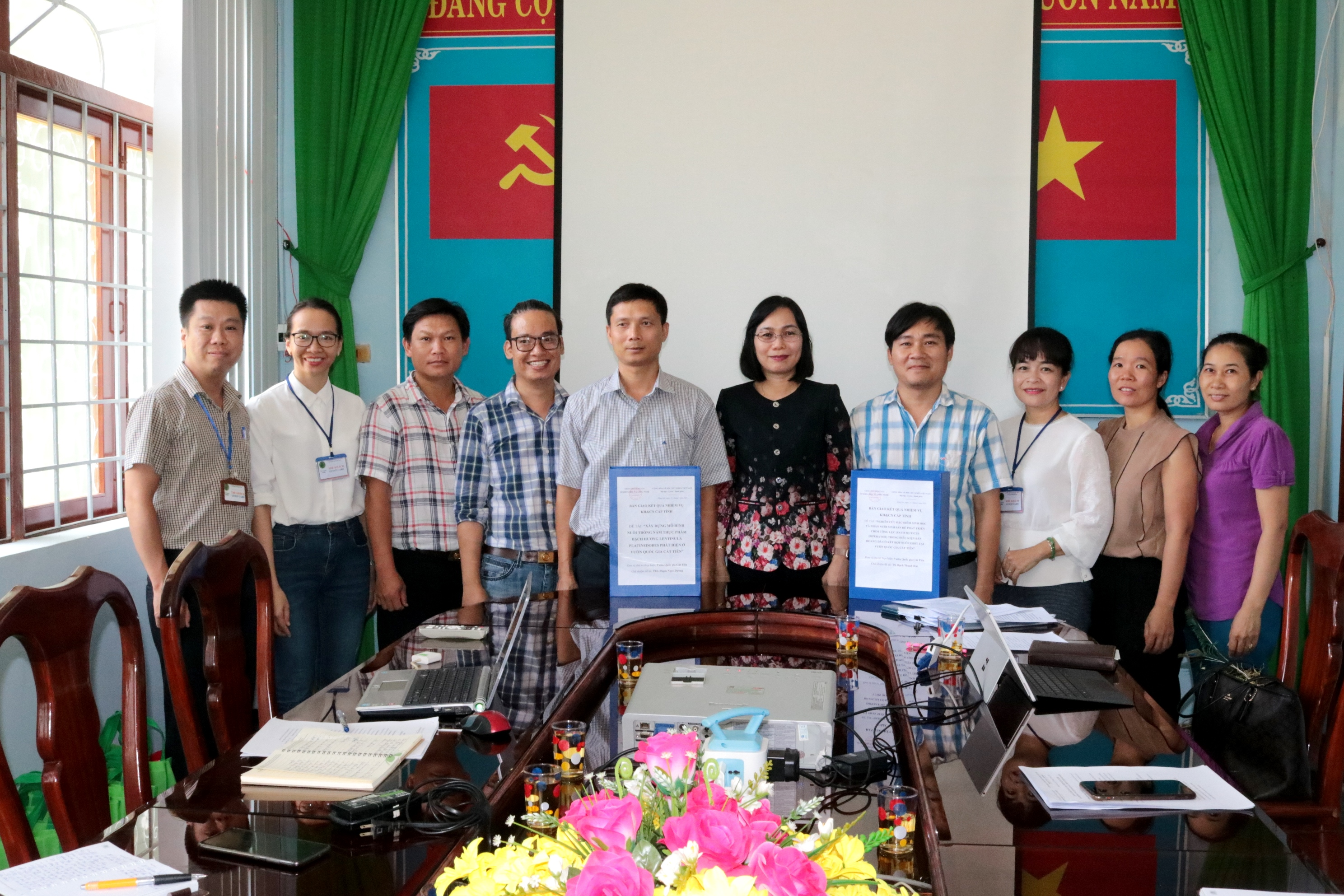 The research results of the two science projects handed over to Cat Tien National Park