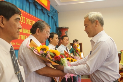 Dong Nai Department of Science and Technology (DOST) awarded the State Prime Minister's certificate of merit in the movement of learning and following the moral example of President Ho Chi Minh